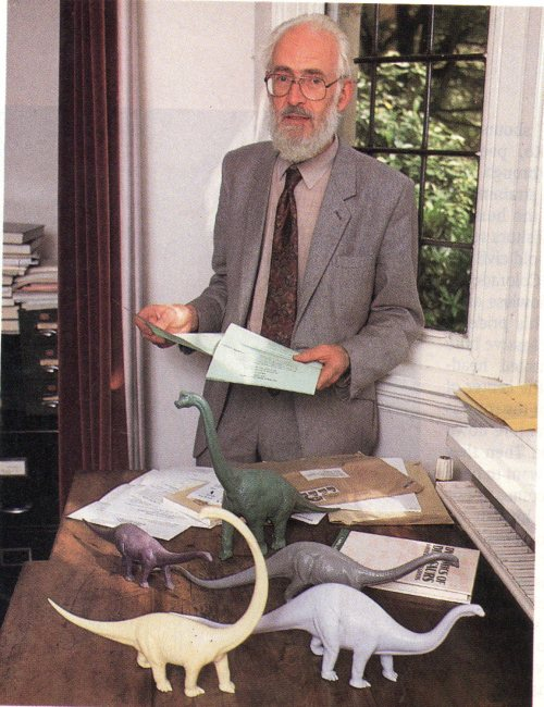 ~1990s Alexander, with model dinosaurs used to estimate mass and centre of mass.